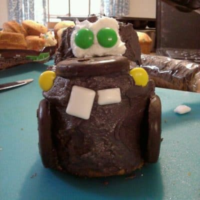 Q&A with Larry the Cable Guy- and Tow Mater Cupcakes (recipe)