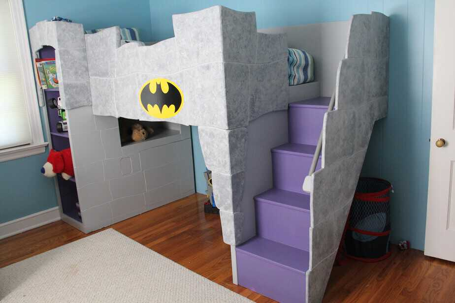 A Batman bed and room for a little boy... - This Mama Loves Her ...