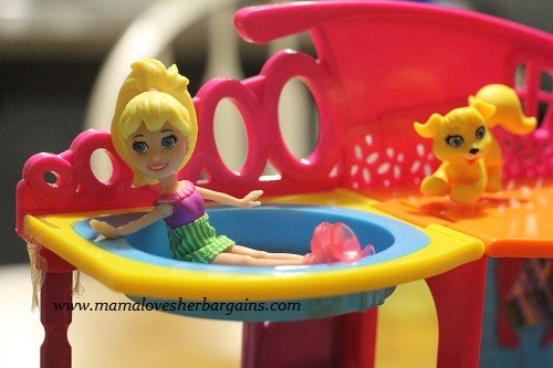 Polly Pocket with suction cup shoes stick n play