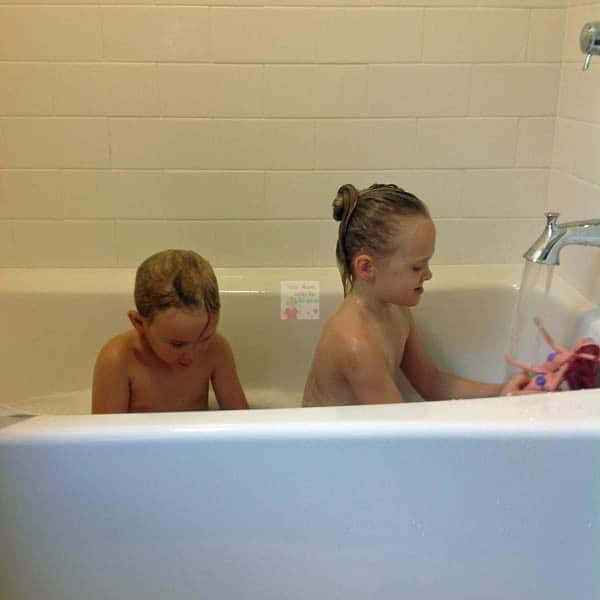 americast tub with kids
