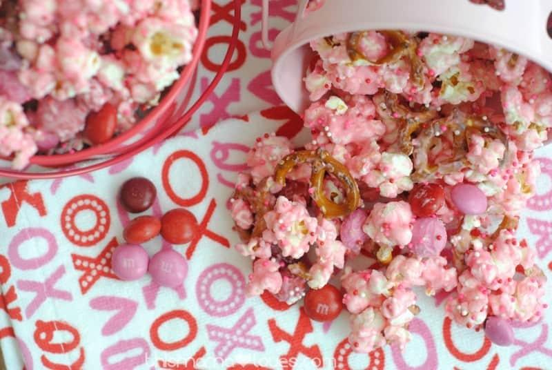 Cupid\'s Crunch Recipe - Valentine\'s Day Treats!