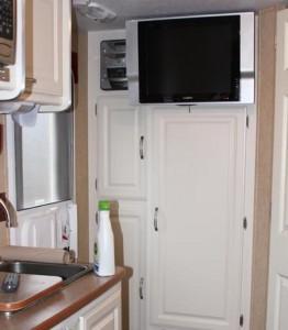 RV TV Stereo amenities