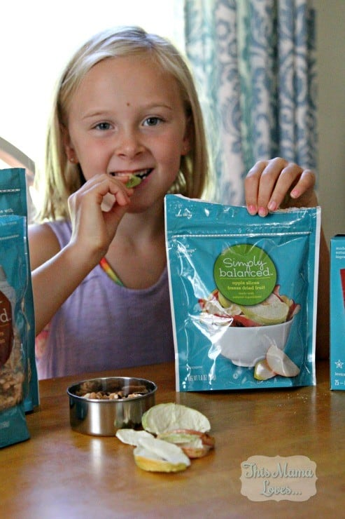 healthy-snack-options-freeze-dried-apple-slices