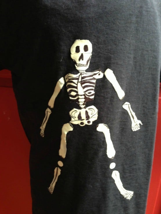 diy-skeleton-shirt-ducktape