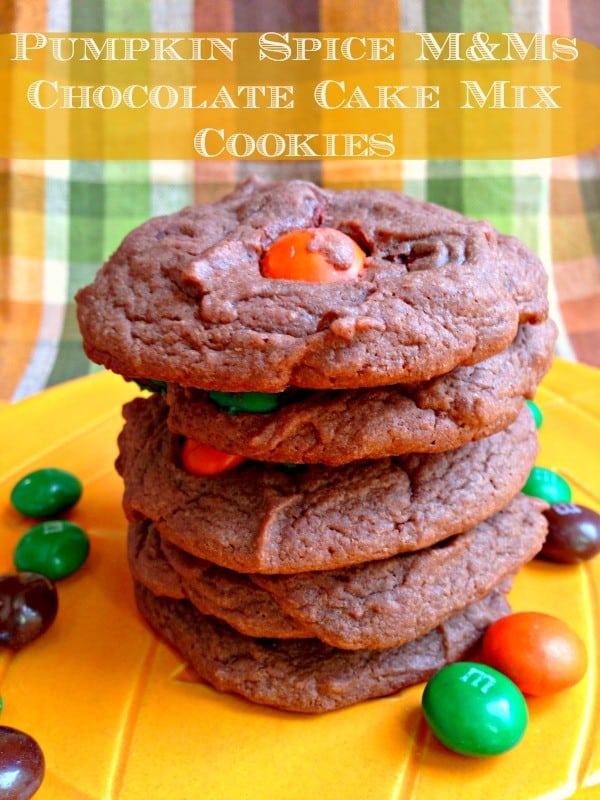 Pumpkin-spice-mm-chocolate-cookies