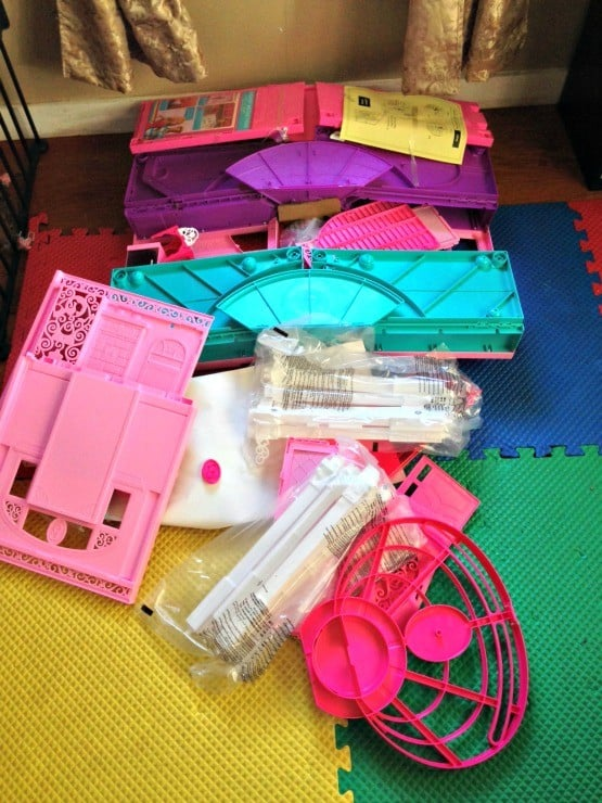 barbie-dream-house-out-of-box