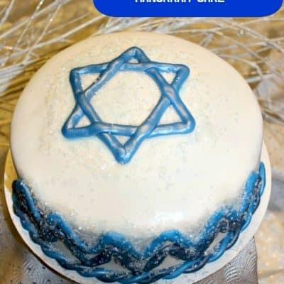 Decorating a Hanukkah Cake