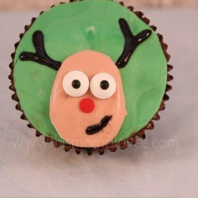 Holiday Treat Recipes: Rudolph Cupcakes and Fondant #Recipe