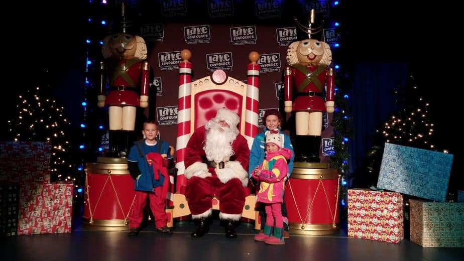 visit-santa-connecticut-lake-compounce-holiday-lights
