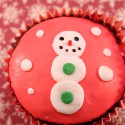 Holiday Treat Recipes: Fondant Snowman Cupcakes