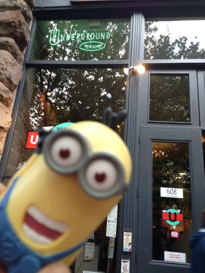 minion-visits-seattle-underground-tour
