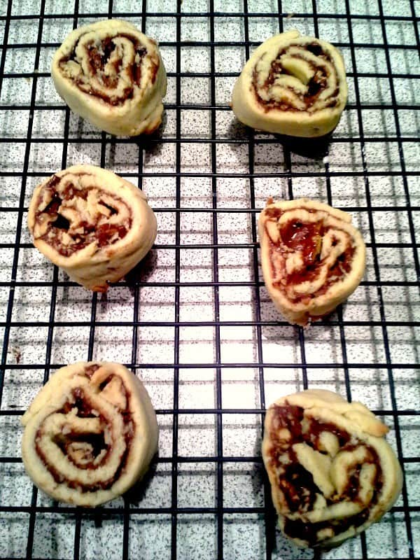 chocolate-candied-pecan-rolled-cookie-2-rolled