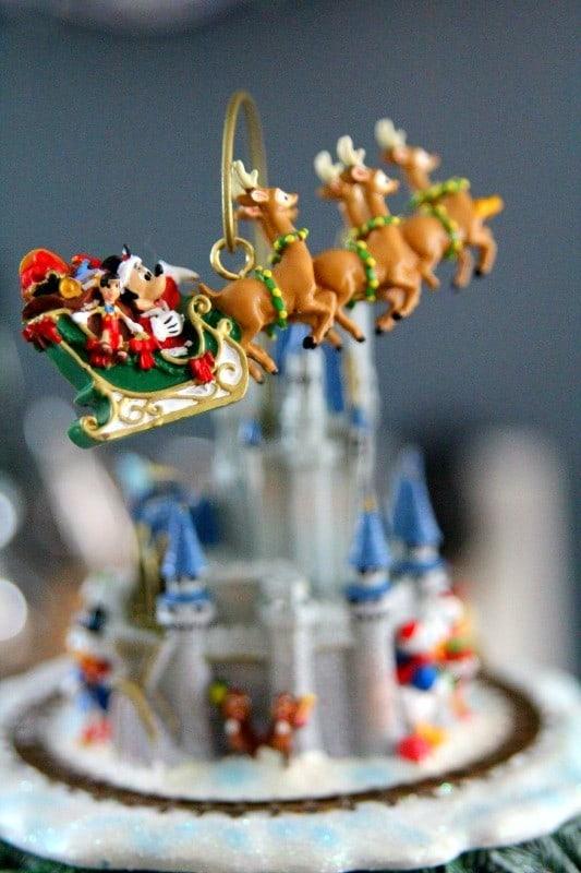 disney-through-years-holiday-keepsake-collectible-#PCHoliday