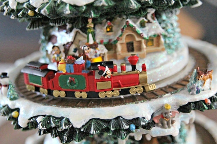 disney-through-years-tree-personal-creations-#PCHoliday-train