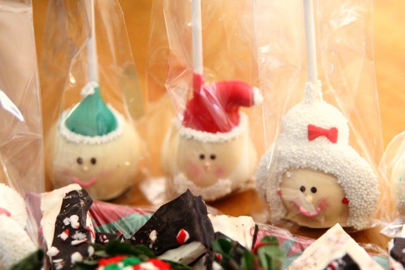 sharis-berries-cake-pops-santa-elf-#holidayberries