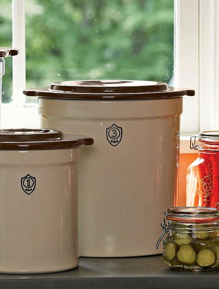 stoneware-pickling-crock