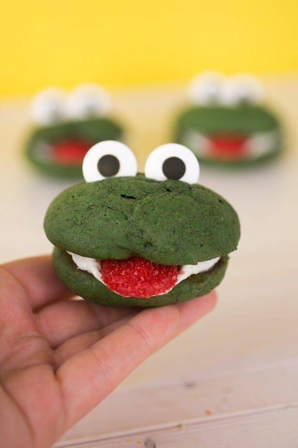 Kermit Whoopie Pies-13