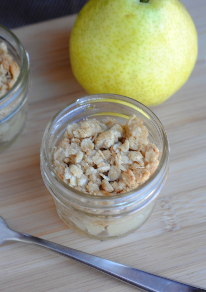 pear-crisp-recipe-mini-mason-jars
