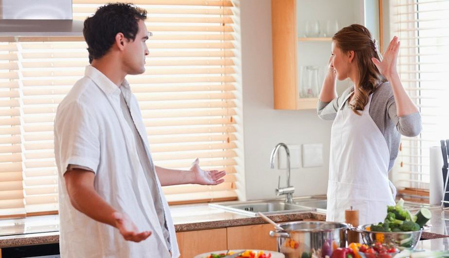 PW-couple-fighting-in-kitchen