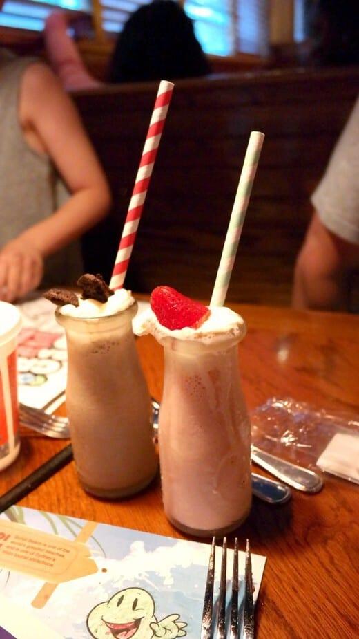 mini-milkshakes-outback