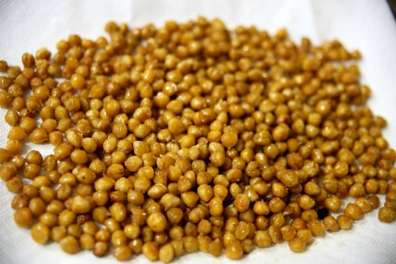 spicy-roasted-chickpeas