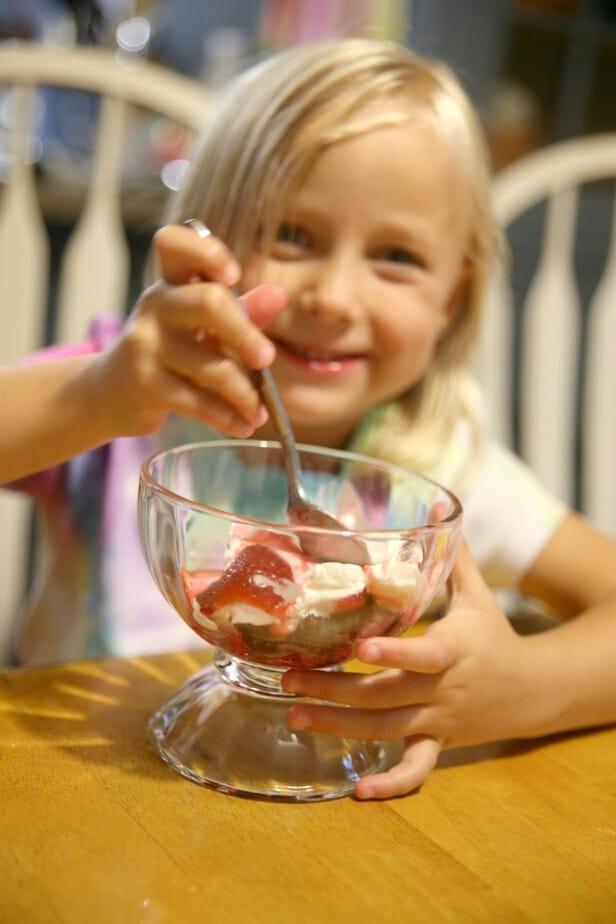 eating-strawberry-brownie-sundae