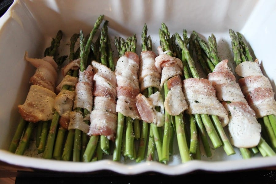 bacon-wrap-asparagus-before cook