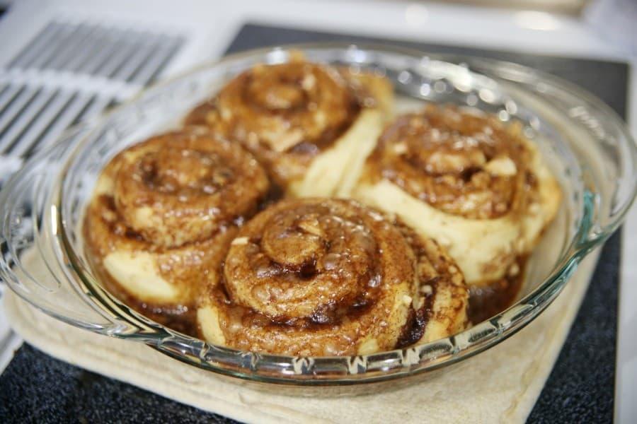 bakery-inspired-cinnamon-rolls
