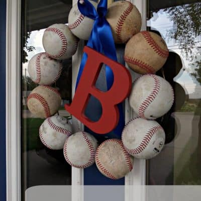 Baseball Decor – DIY Baseball Wreath