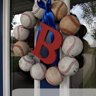 Baseball Decor – DIY Baseball Wreath