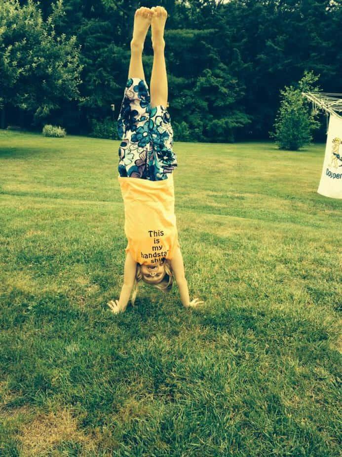 fridgeworthy handstand