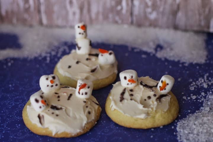 melted snowman sugar cookies horizontal
