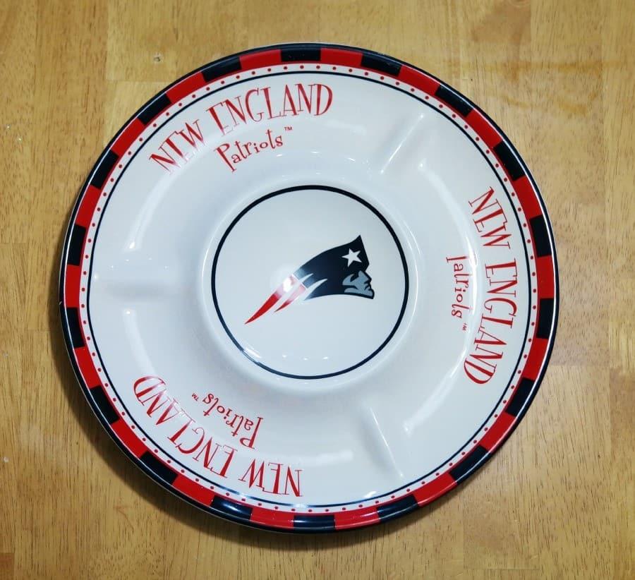 patriots-chip-dip-tray