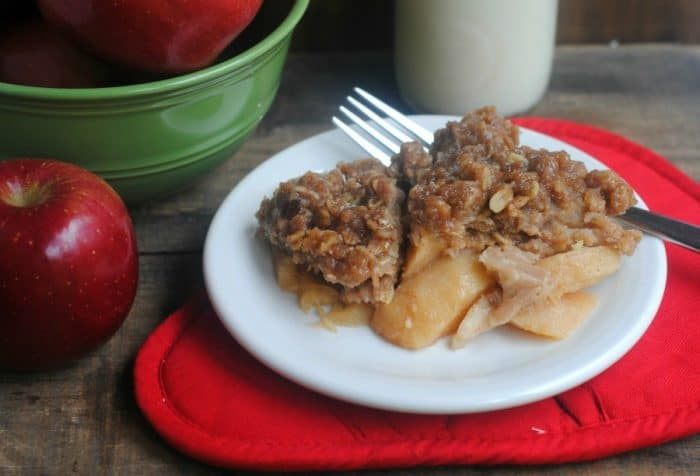 slow-cooker-apple-crisp-recipe