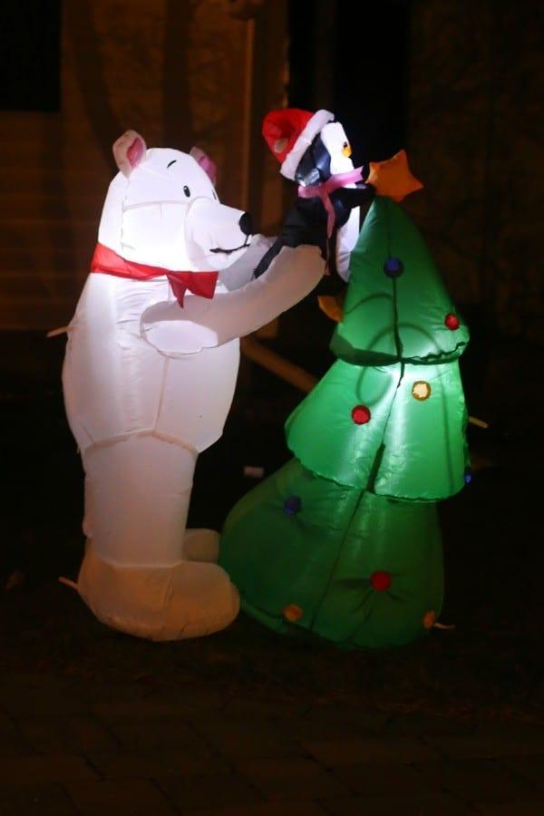 polar-bear-penguin-inflatable