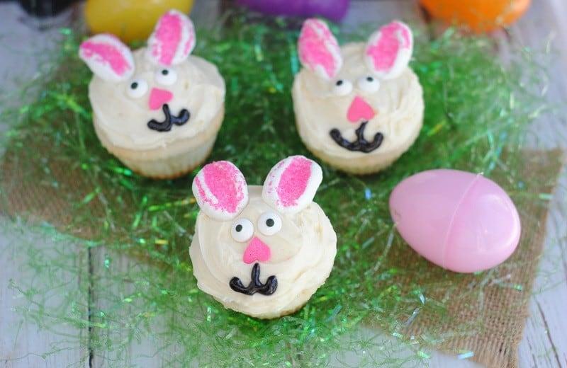 bunny-cupcakes-grass