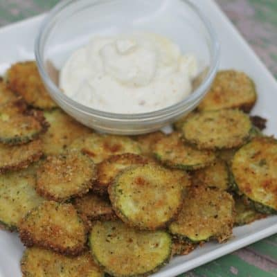 Easy {Oven Baked} Parmesan Zucchini Chips to try right now