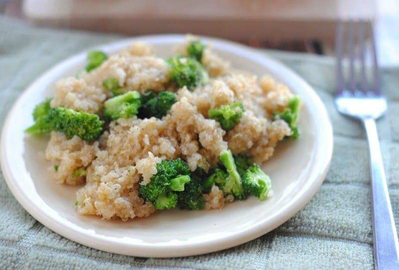 cheesy-broccoli-quinoa