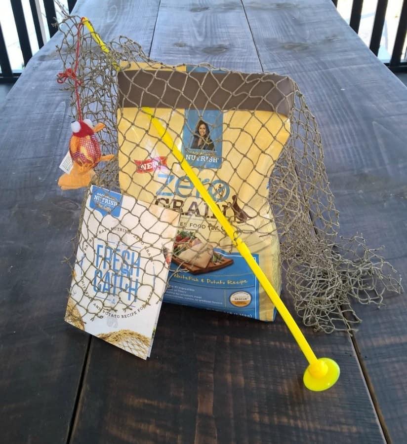 nutrish-toy-bag