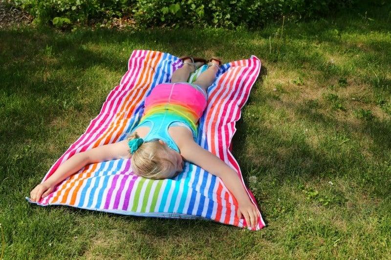 kohls-big-beach-towel
