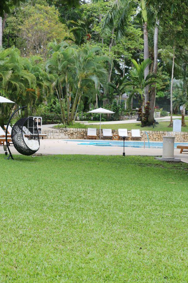 sandals-ochi-pool