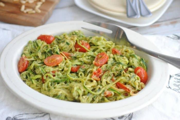 creamy-avocado-pesto-zoodles