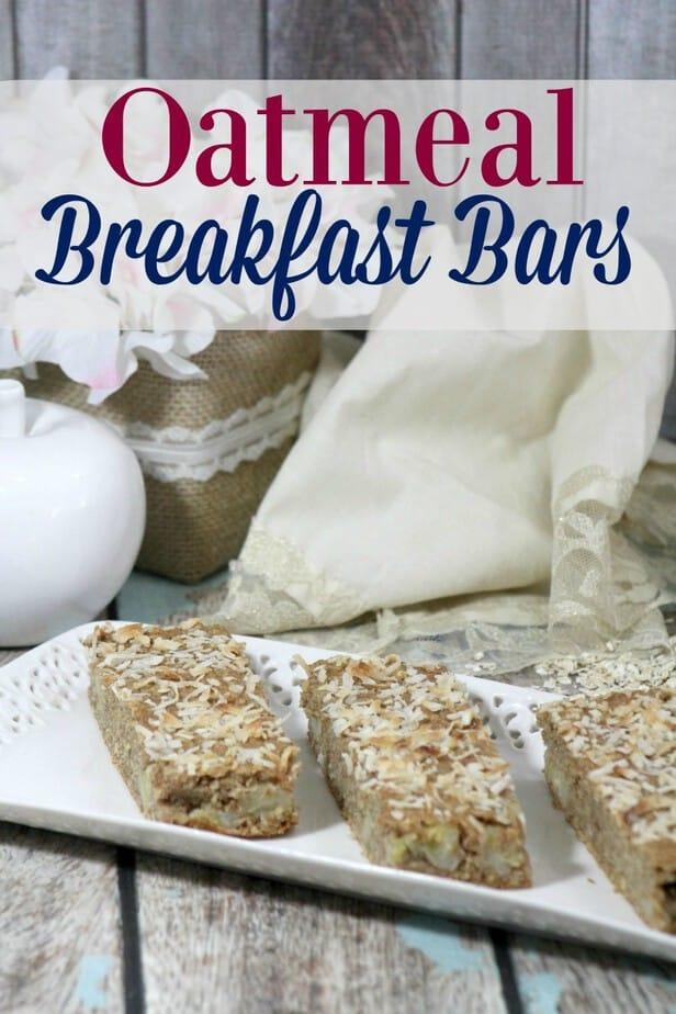 Easy oatmeal breakfast bar recipe- This Mama Loves