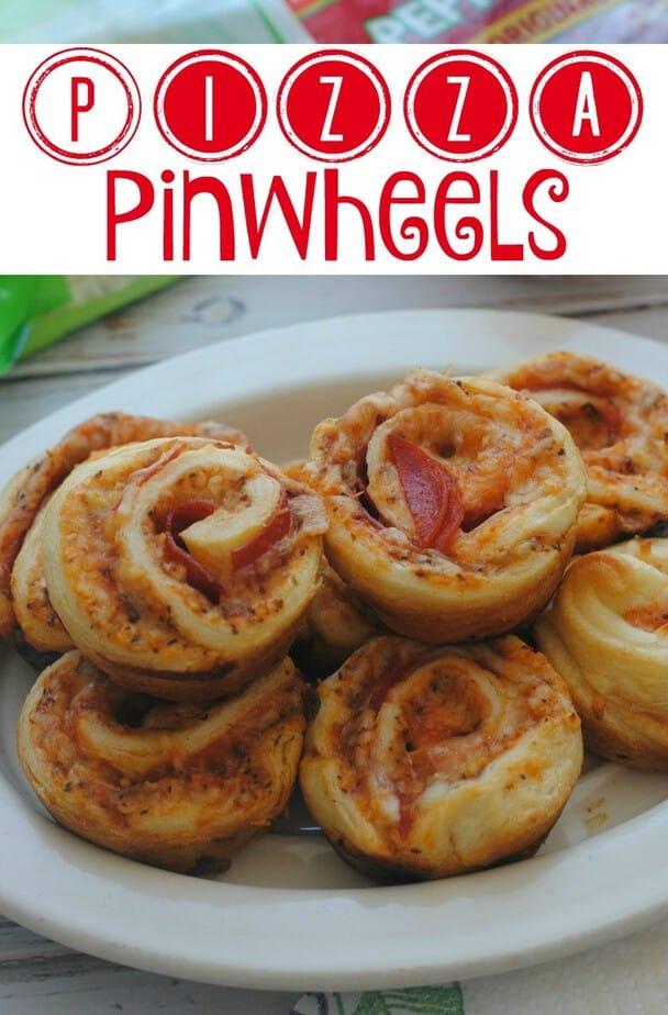 Pizza Crescent Pinwheels- This Mama Loves