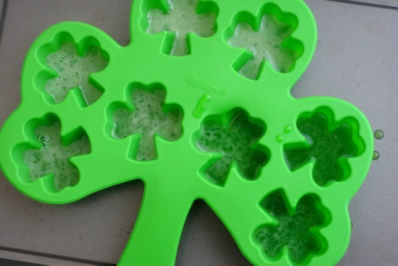 green-shamrock-gummy-candy-mold