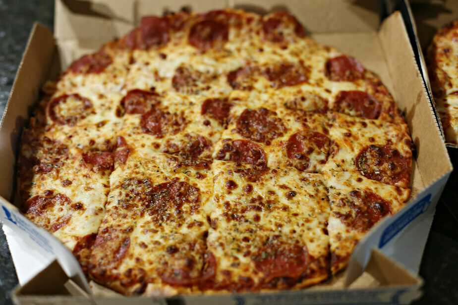 dominos pepperoni