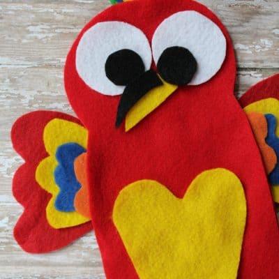 Felt Parrot Puppet Craft: Mak from The Wild Life