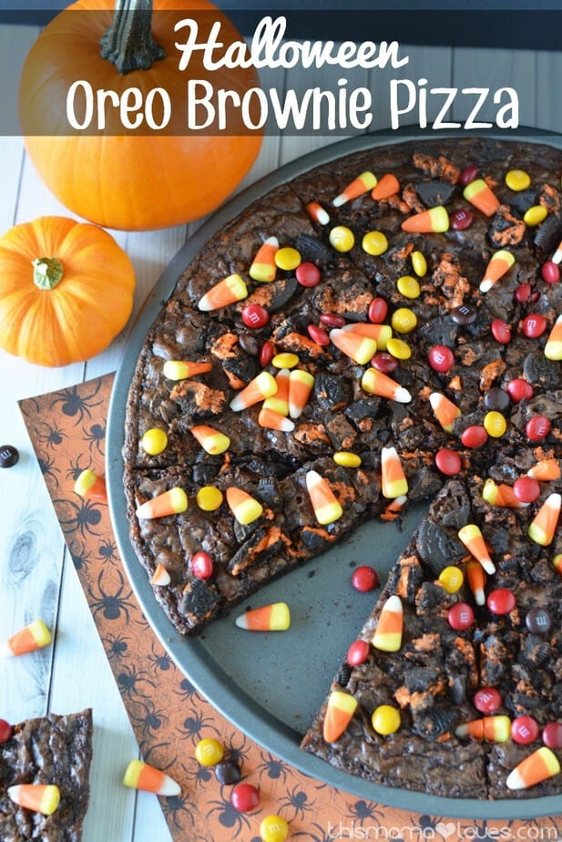 Halloween Oreo Brownie Pizza | This Mama Loves