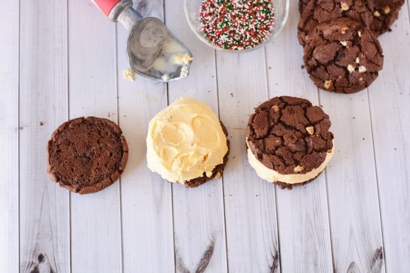 Easy Ice Cream Cookie Sandwiches from This Mama Loves