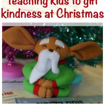 Inspire Kids to Gift Kindness at the Holidays #NorthPoleNinjas #giveaway